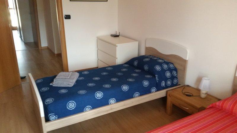 Segundo dormitorio con cama individual