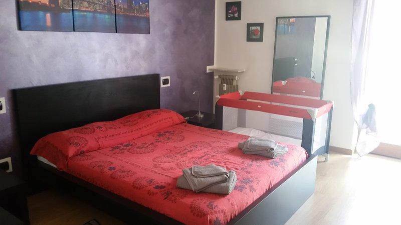 dormitorio principal con cama de los niños a petición