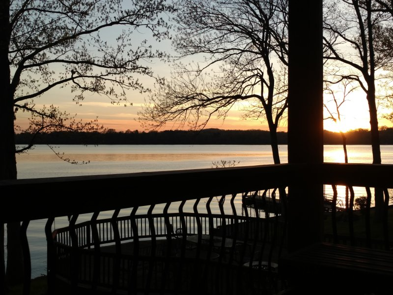 Peaceful setting with amazing views of the sunset.  Covered deck offerers outside area to unwind.