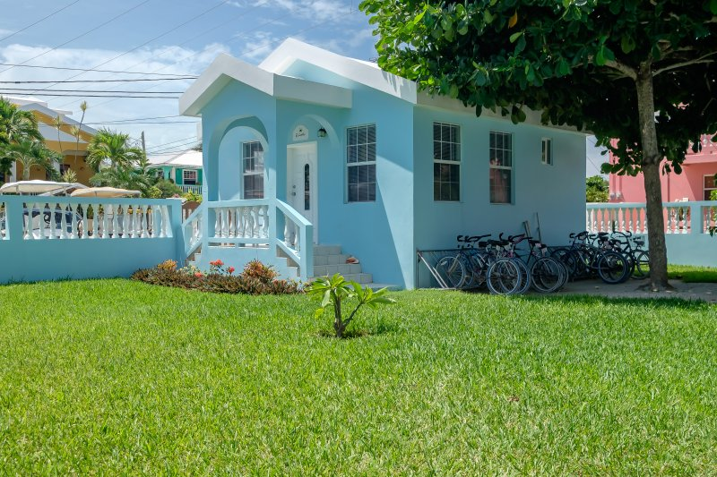 Front of Casita! Bikes parked on the side are available free of charge to Sunset Beach guests!