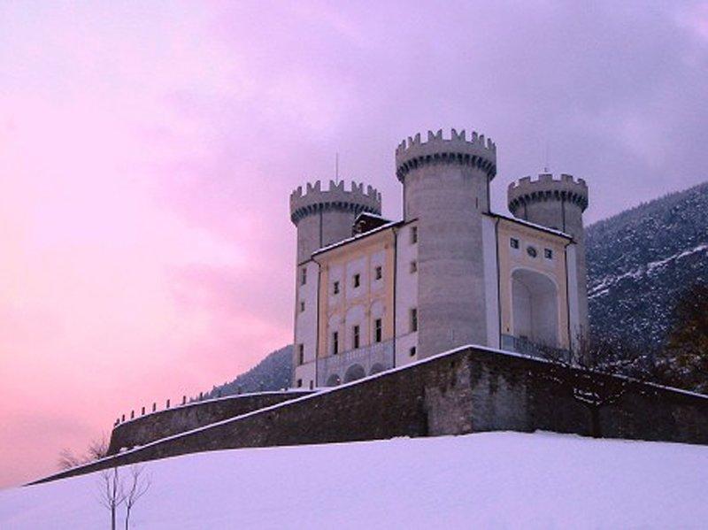 Castillo de Aymaville