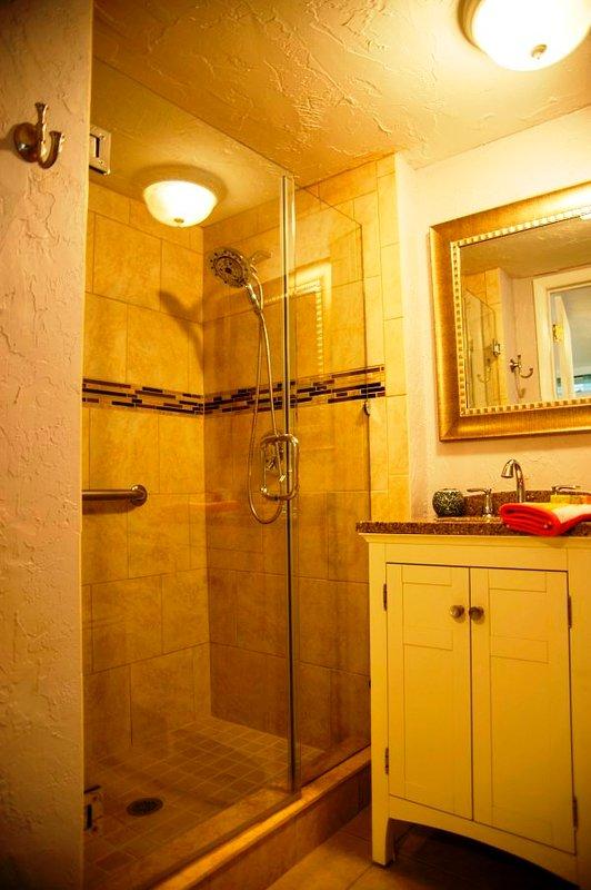 Deluxe Dusche mit Massagekopf