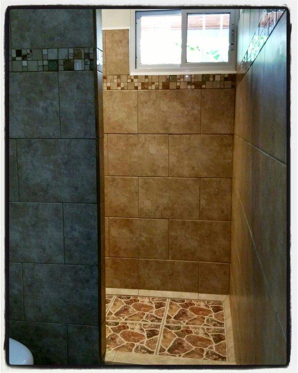 """Baño privado con ducha Habitación Amarilla - Apartamento """"Ceiba BLANCA"""""""