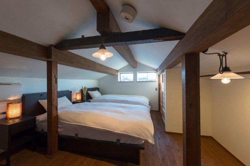 Western Bedroom (3F)