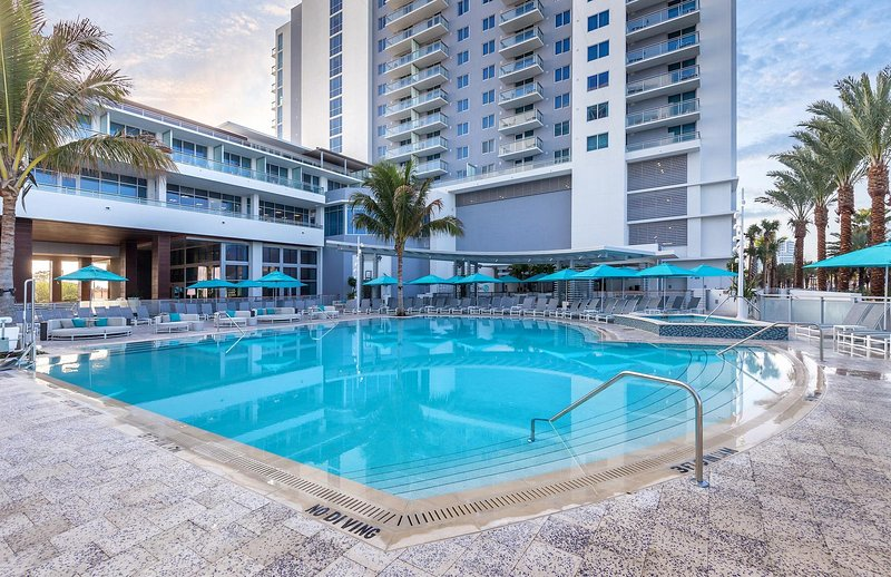 Clearwater Pool_1_0