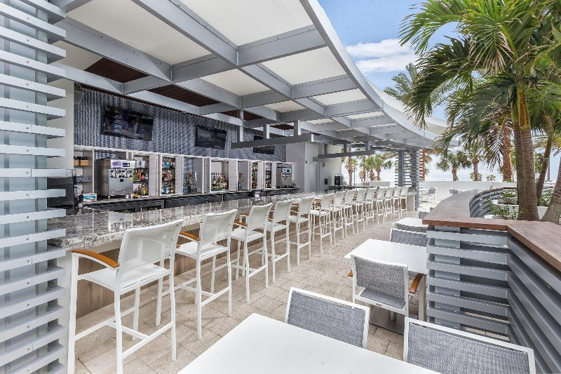 Clearwater Poolside Bar_1