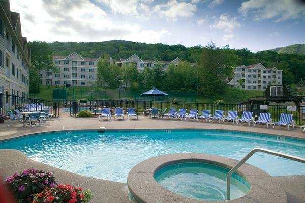 Hancock, MA: Studio w/Valley Views at All-Seasons Resort: Skiing, Hiking & More!, vacation rental in Petersburg