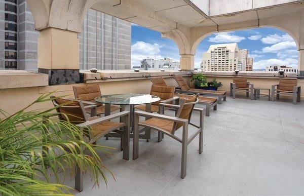 The Donatello Studio Suite w/ Free Wi-Fi, Rooftop Lounge, Restaurant & More, holiday rental in San Francisco