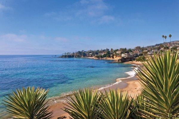 Dolphin Cove Resort 14 minutes from Scenic Laguna Beach