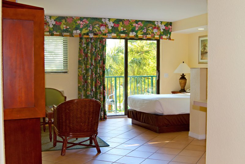 Wyndham Palm Aire Studio Bedroom