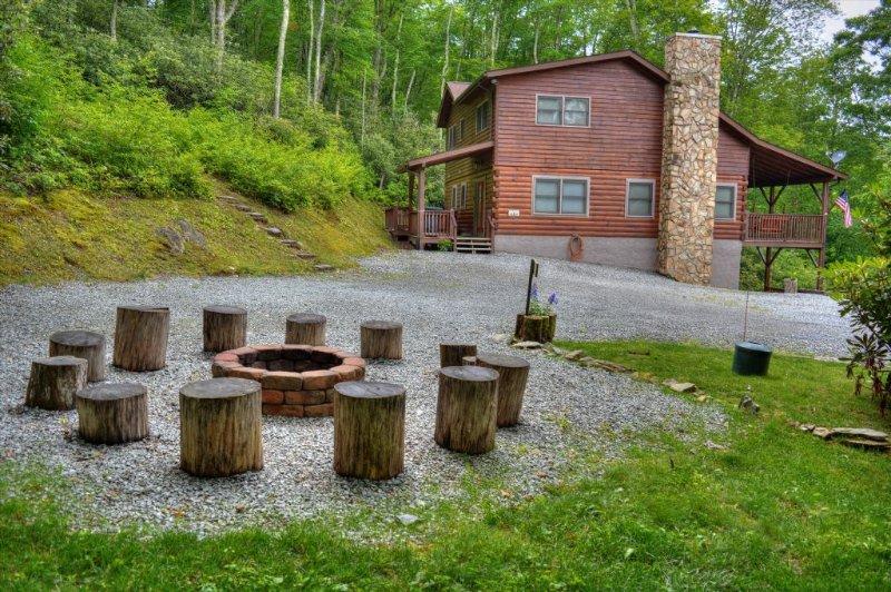 Amazing Fire Pit to Roast Marshmallows
