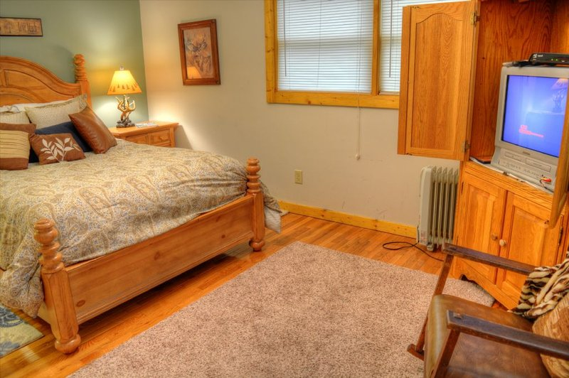 Lower Level BR #5 with Queen Bed