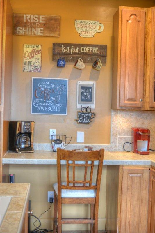 Coffee station with Keurig & Reg Coffee Maker