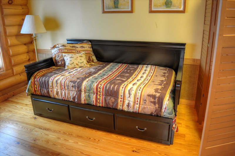 Twin Day bed with twin trundle in Loft
