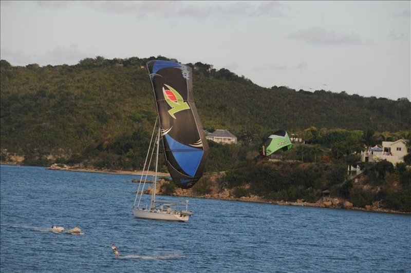 Learn to Kite surf at 40knots Kitesurfing school and enjoy ideal conditions at Nonsuch Bay