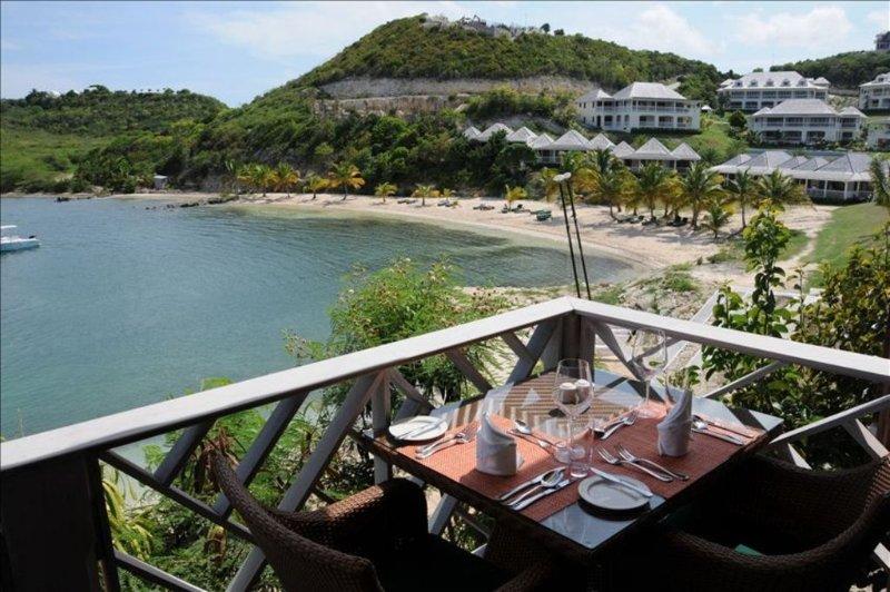 Resort restaurant overlooking the beach and bay