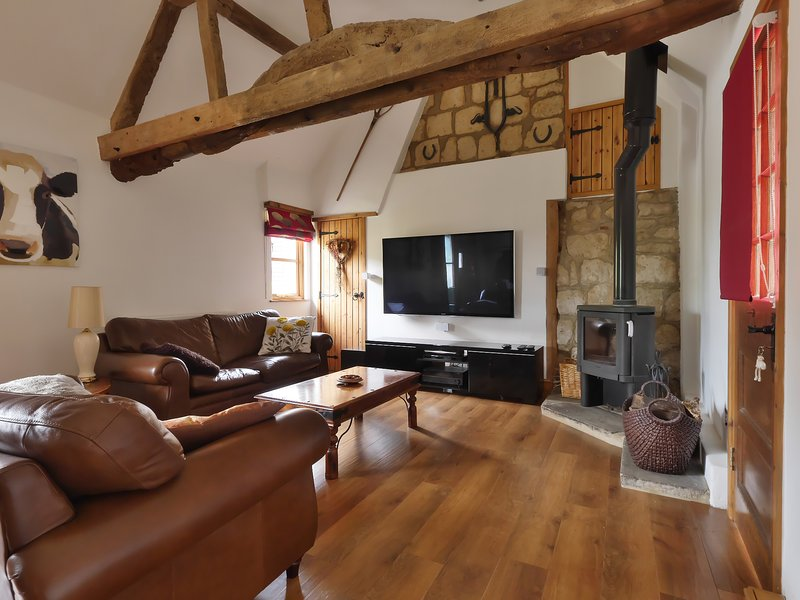 Manor Farm Stables, holiday rental in Weedon