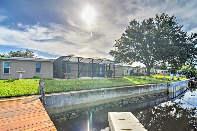 Nestled along the Anclote River with direct access to Salt Lake and the Gulf of Mexico at Tarpon Springs, this spacious home offers an unforgettable experience!