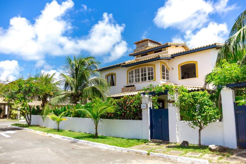 Casa em Salvador para desfrutar da praia, holiday rental in Salvador