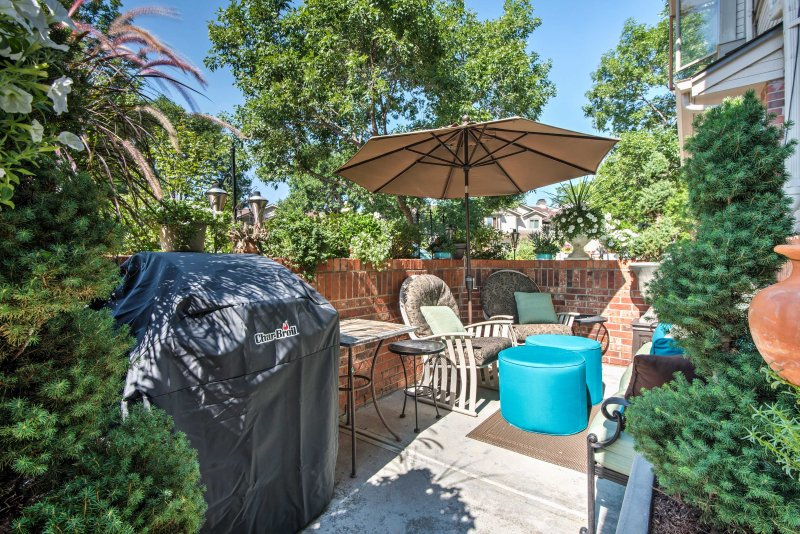 Explore all the best of Denver and its surrounding areas from this ideally situated Arvada townhome!