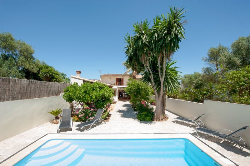 WOODHOUSE - Villa for 6 people in Ariany, holiday rental in Maria de la Salut