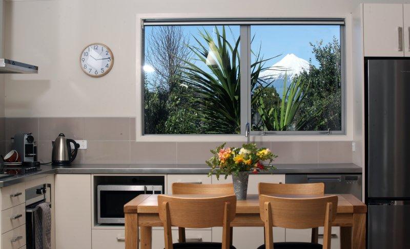 Mt Taranaki aus Küchenfenster