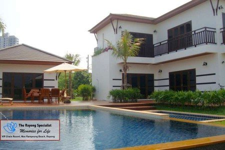 Tropicana Villa 4 bedrooms with private swimmingpool, vacation rental in Ban Phe