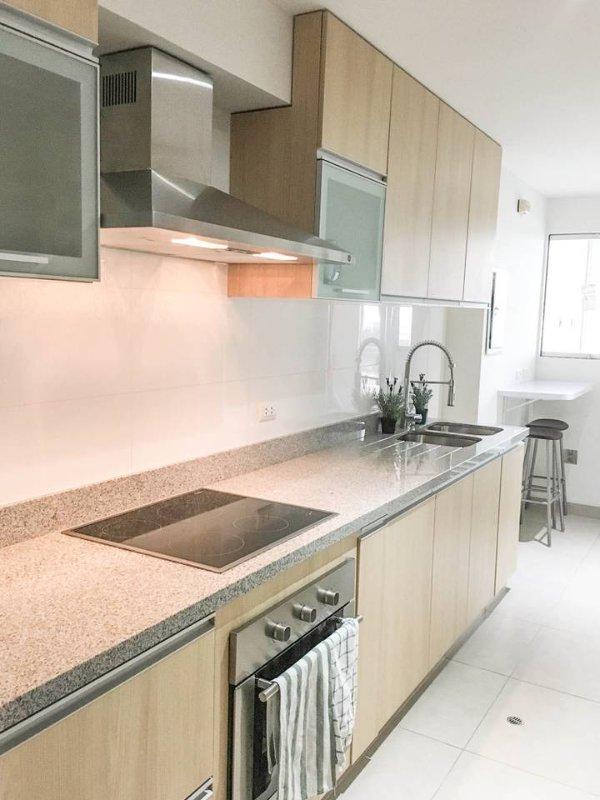 cozinha limpa espaçoso