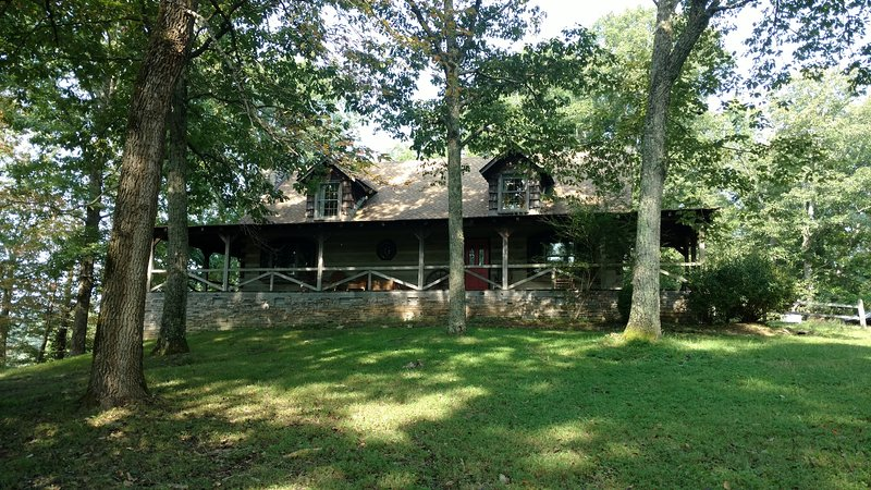 The Log House, holiday rental in Arrington