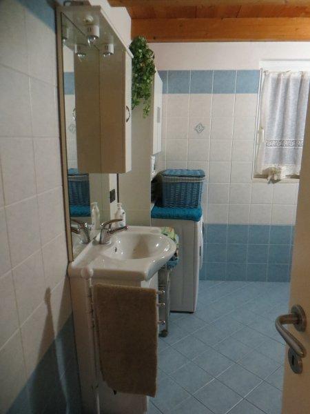 fenêtre de salle de bains