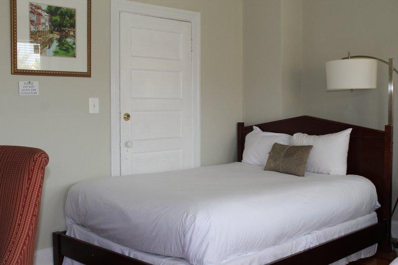 Hotel Style Egyptian White Linen professionally prepared