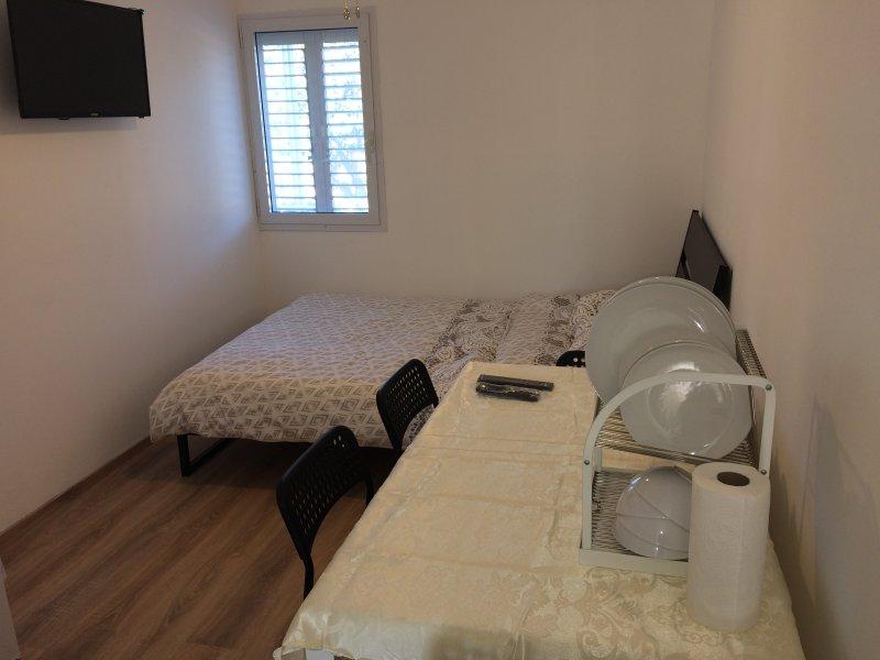 Jabotinsky Guest House Room2, holiday rental in Ashdod