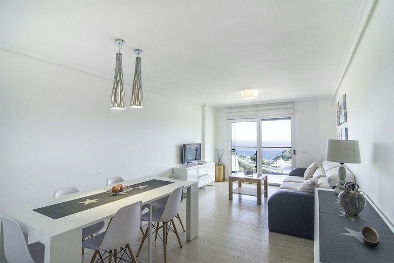 Apartamento luminoso con vistas al mar, vakantiewoning in Calpe