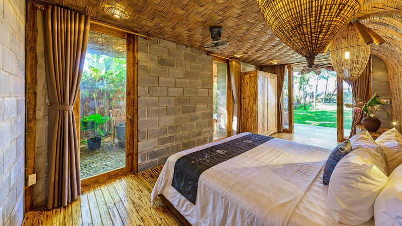 Lighthouse with sea view / An Bang Seaside Village Homestay, holiday rental in Hoi An