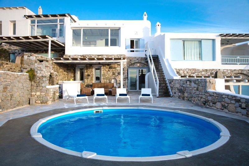 Golden Sunset Villa III ,With private pool, location de vacances à Agios Ioannis