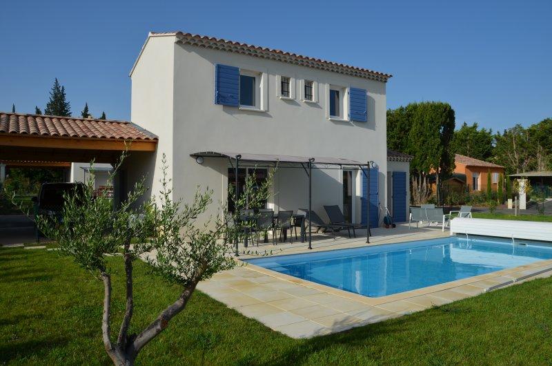 Paradou : Villa Aupiho 6 personnes + piscine chauffée, location de vacances à Paradou
