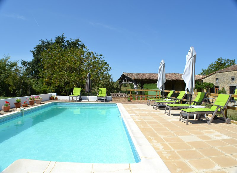 A countryside sanctuary – a gite nestled in Bordeaux vines, vacation rental in Auriolles