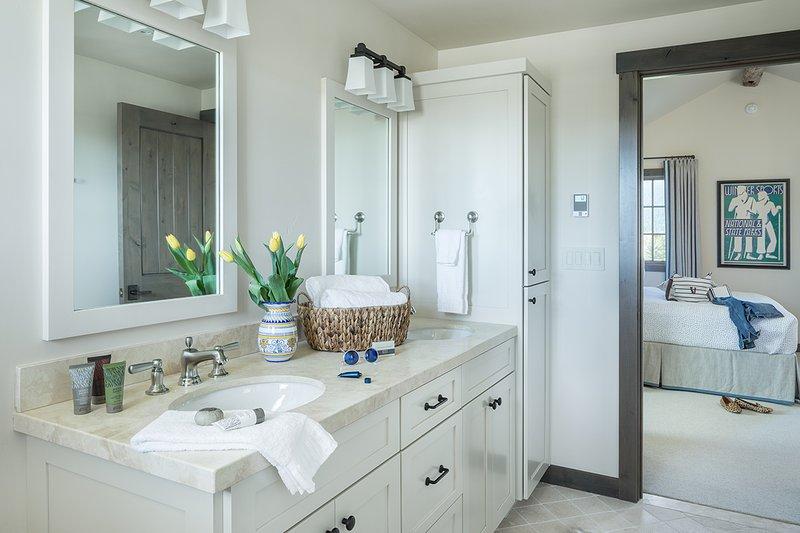 Guest Bedroom 3 Bathroom