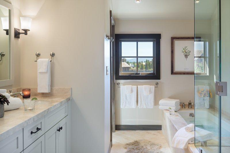 Guest Bedroom 4 Bathroom