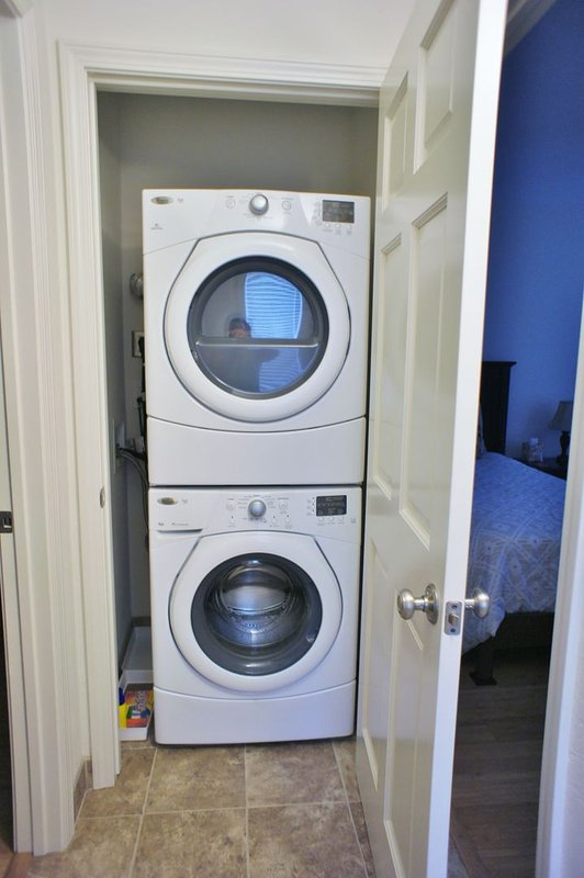 In Unit Full Size Washer/Dryer for your convenience