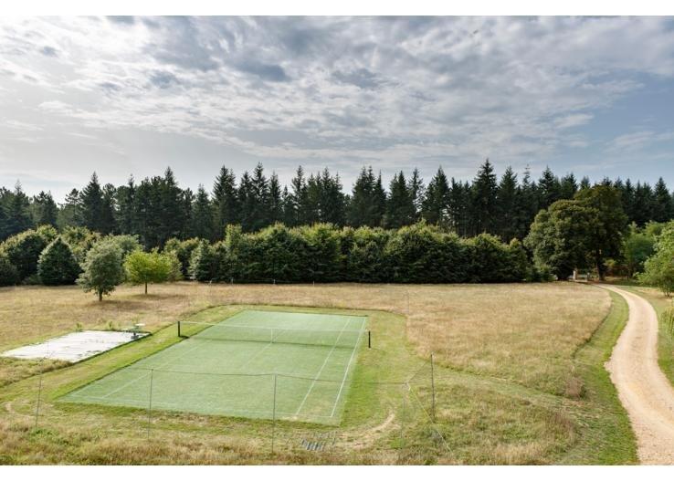Tennis cour accanto alla casa