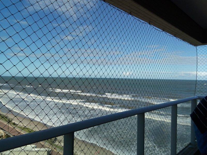 Gourmet balcony view Beach ..