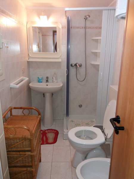 Bathroom ground floor apartment.