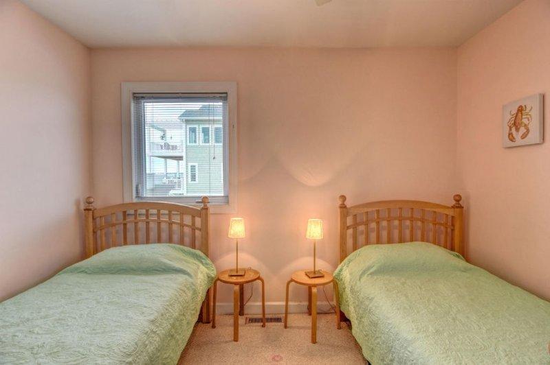 Same Twin Bedroom