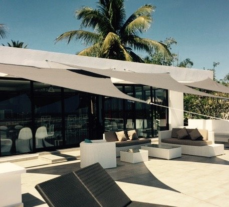 """Outdoor terrace of 100 m2 overlooking the """"Lounge Bar PAP'S"""" and offering a panoramic view"""