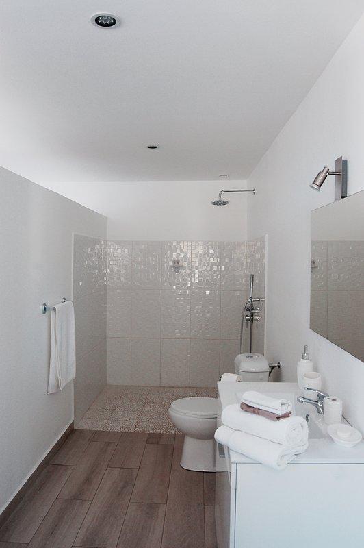 The Italian shower ...