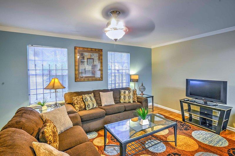 Explore tudo o que Baton Rouge oferece a partir desta casa de férias com 3 quartos e 2 casas de banho