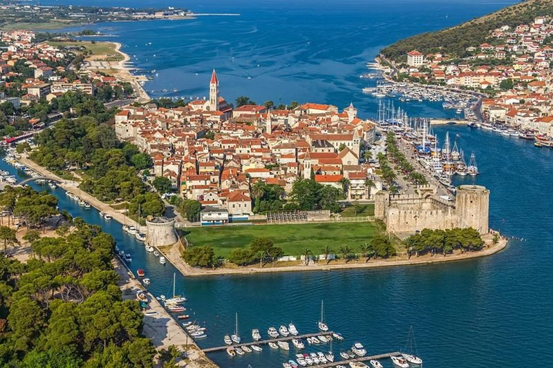 Trogir, 7 km from the house