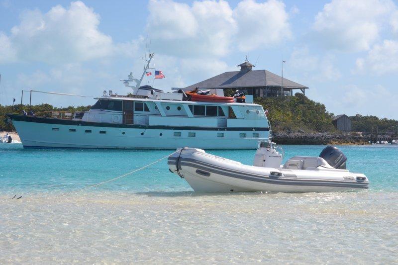 Charter a classic yacht to the EXUMA, location de vacances à Île de New Providence