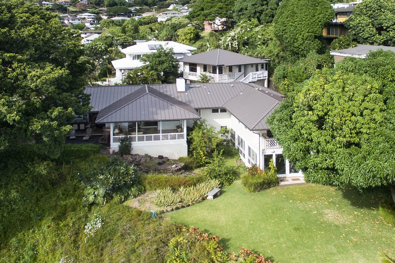 Luna Estate Aerial View
